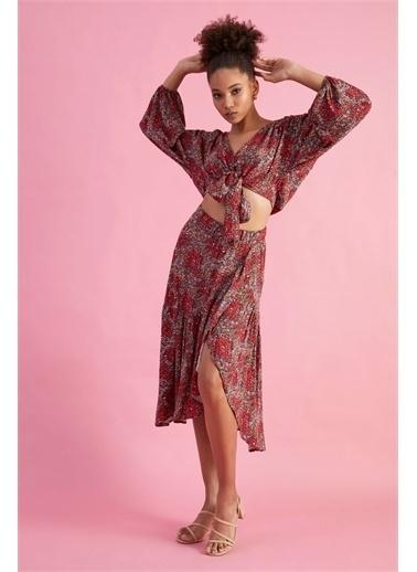Z Giyim Kadın  Bej  Fırfırlı Viskon Etek Kırmızı